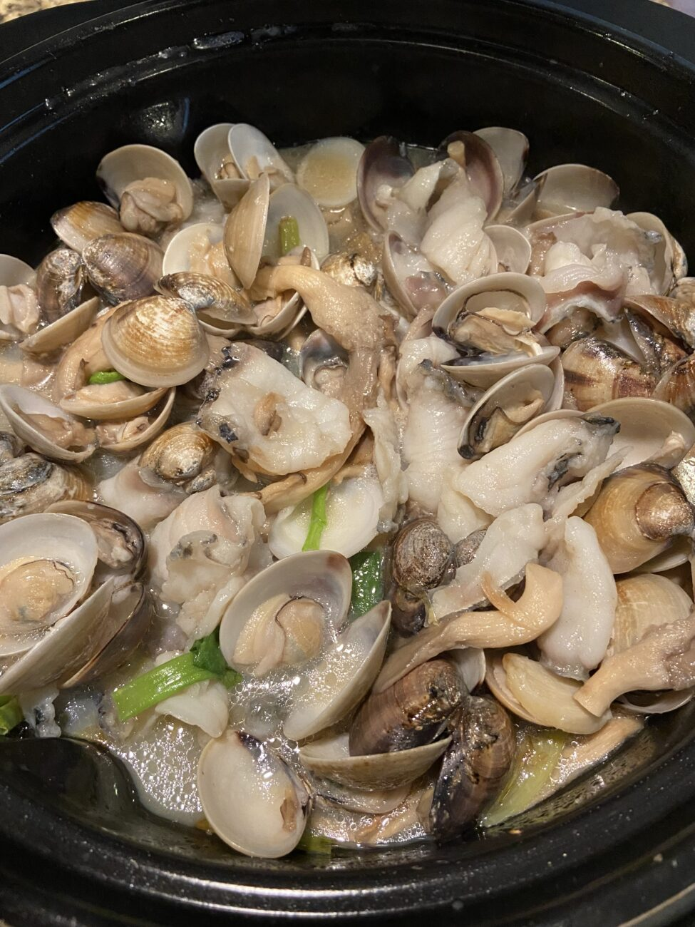 Ginger Onion Sauce with Oyster Mushroom, Clams and Sliced Fish (Umami)